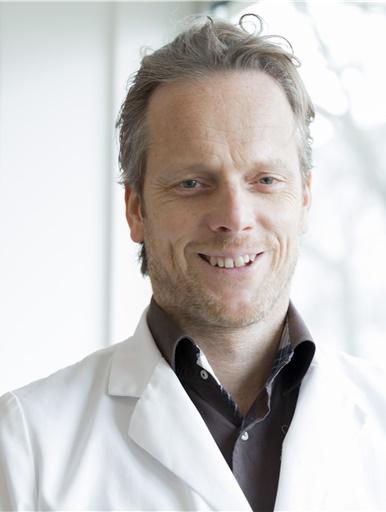 Drs._J.J.G._Beerthuizen_-_Oogarts_Visie_Beverwijk-_BB2A8975.jpg