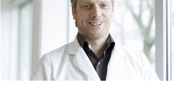 Drs._J.J.G._Beerthuizen_-_Oogarts_Visie_RKZ-_BB2A8975.jpg